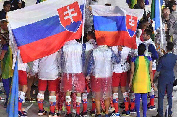 Reprezentacja Słowacji podczas ceremonii zamknięcia XXXI Letnich Igrzysk Olimpijskich - Sputnik Polska