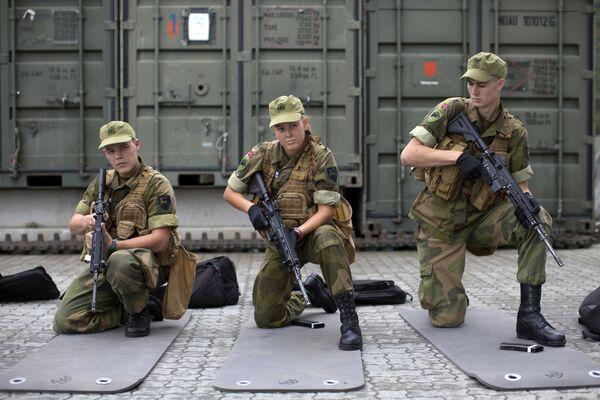 Pierwsze poborowe kobiety w Norwegii. - Sputnik Polska