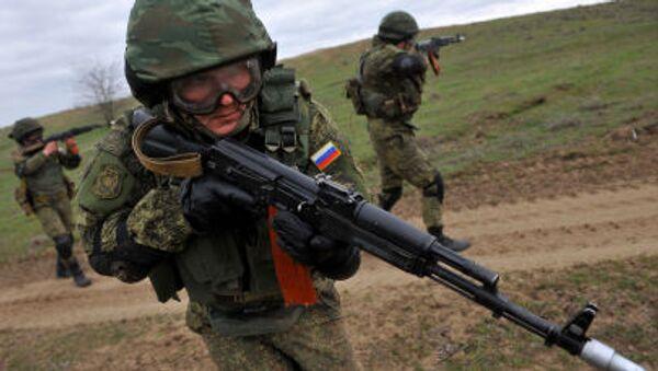 Ćwiczenia wojskowe rosyjskiej armii na poligonie siernowodskim - Sputnik Polska