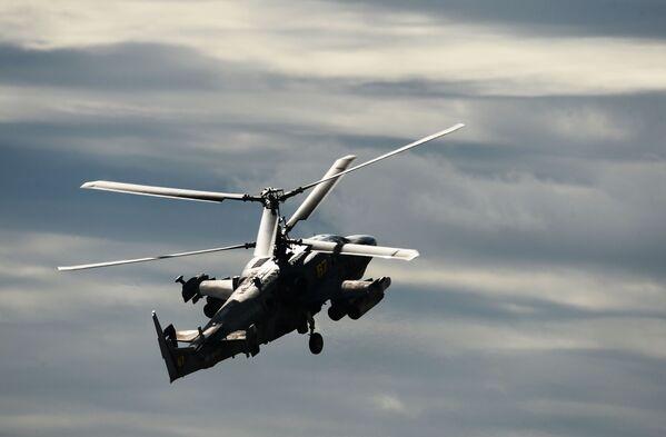 """Śmigłowiec wsparcia bojowego Ka-52 """"Aligator"""". - Sputnik Polska"""