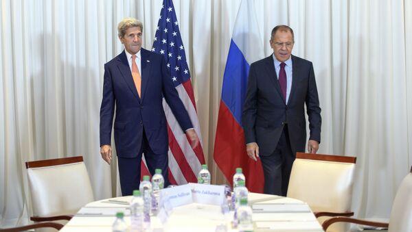 Szefowie dyplomacji USA i Rosji John Kerry i Siergiej Ławrow - Sputnik Polska