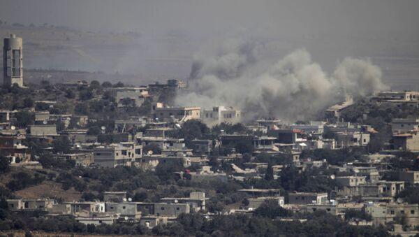 Syryjskie miasto na Wzgórzach Golan ostrzelane przez izraelskie siły powietrzne - Sputnik Polska