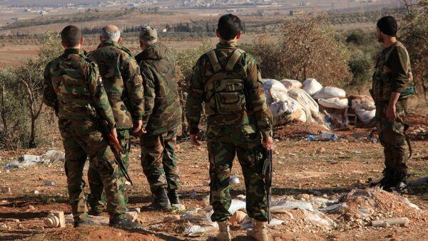 Naloty sił koalicji na pozycje wojsk syryjskich w pobliżu lotniska Dajr az-Zaur - Sputnik Polska