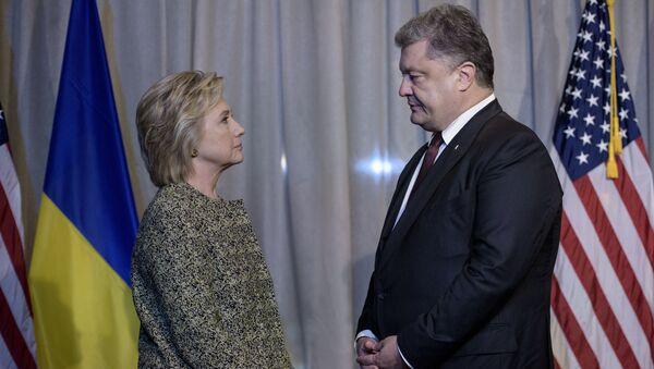 Hillary Clinton i Petro Poroszenko - Sputnik Polska