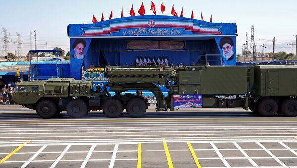 Rakietowy system przeciwlotniczy S-300 na paradzie wojskowej w Teheranie - Sputnik Polska