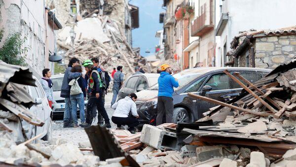 Skutki trzęsienia ziemi w Amatrice, Włochy - Sputnik Polska