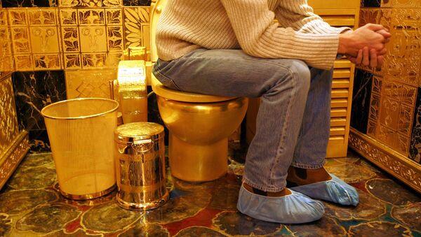 Gold Toilette - Sputnik Polska