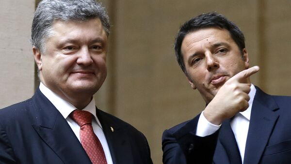 Prezydent Włoch Matteo Renzi z Petrem Poroszenko - Sputnik Polska
