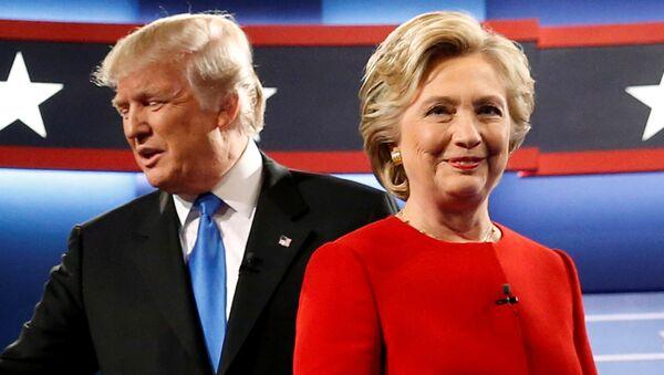 """""""Mierny biznesmen"""". Sztab Clinton komentuje niepłacenie podatków przez Trumpa - Sputnik Polska"""