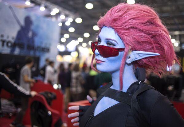 Cosplayerka na Comic Con Russia 2016 - Sputnik Polska