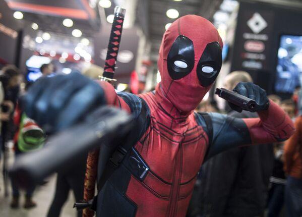 Cosplay Deadpool na Comic Con Russia 2016 - Sputnik Polska