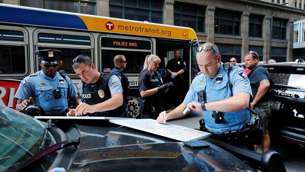 Policja w Minneapolis - Sputnik Polska