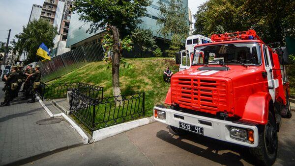 Wóz strażacki przed siedzibą telewizji Inter w Kijowie - Sputnik Polska
