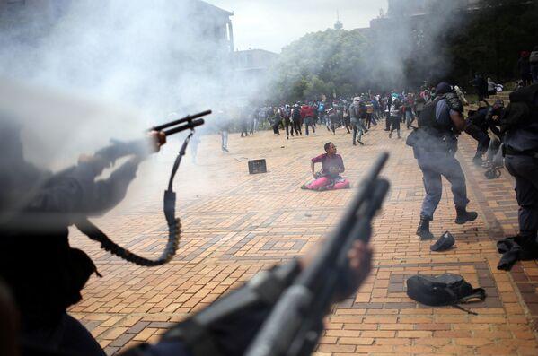 Starcia studentów z policją w Afryce Południowej - Sputnik Polska