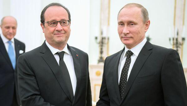 Prezydent Francji Francois Hollande i prezydent Rosji Władimir Putin - Sputnik Polska