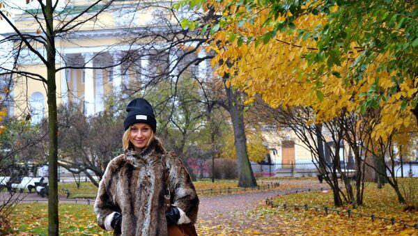Jesienna wizyta w Petersburgu (zaznaczam, że futerko jest sztuczne). - Sputnik Polska