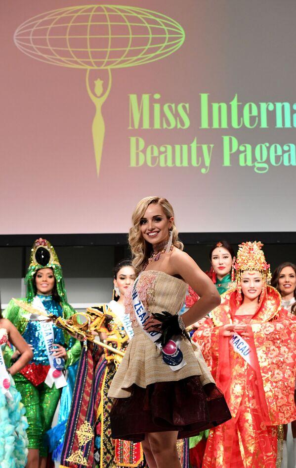 Miss Nowej Zelandii Jessica Tyson podczas konkursu Miss International Beauty Pageant 2016 w Tokio - Sputnik Polska