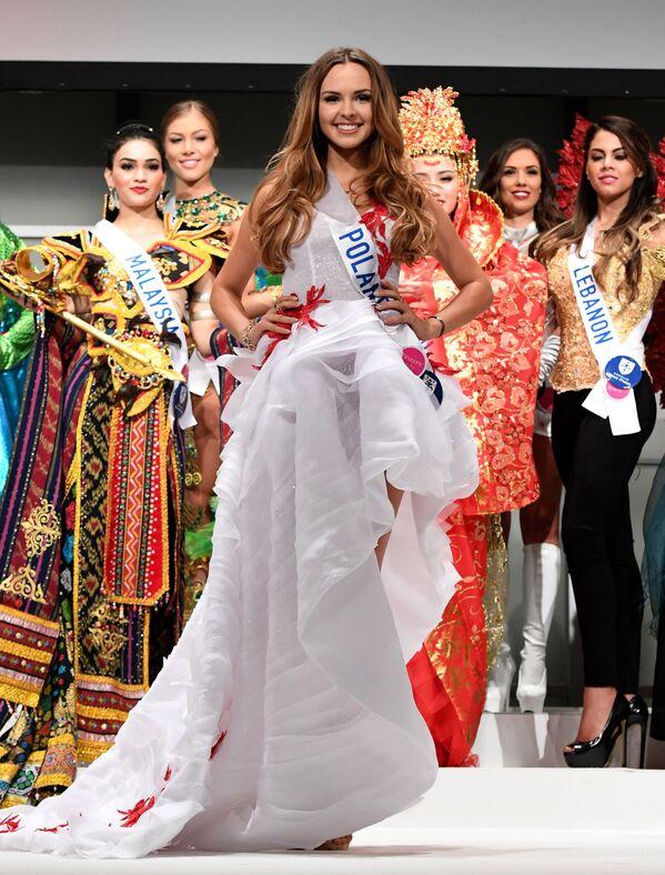Miss Polski Magdalena Bieńkowska podczas konkursu Miss International Beauty Pageant 2016 w Tokio - Sputnik Polska