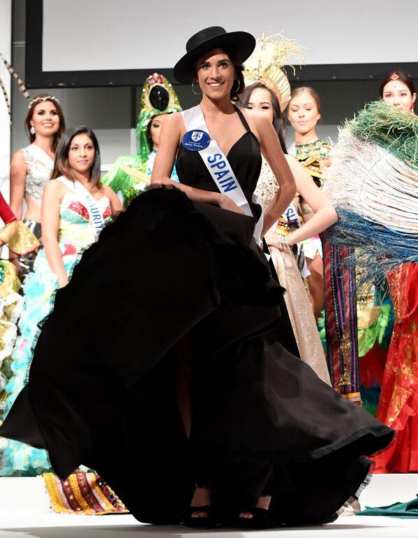 Miss Hiszpanii Anabel Delgado Torres podczas konkursu Miss International Beauty Pageant 2016 w Tokio - Sputnik Polska