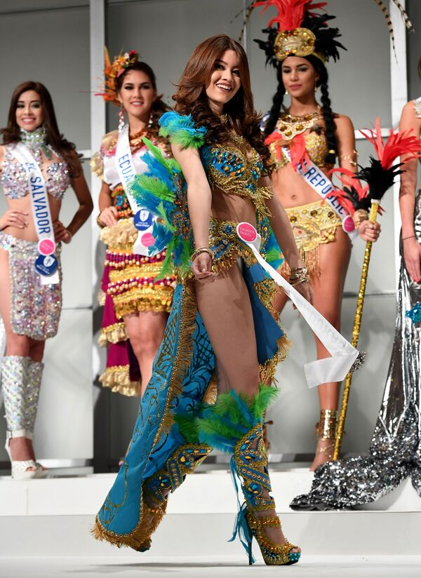 Miss Hondurasu Andrea Nicolle Salinas Godoy podczas konkursu Miss International Beauty Pageant 2016 w Tokio - Sputnik Polska