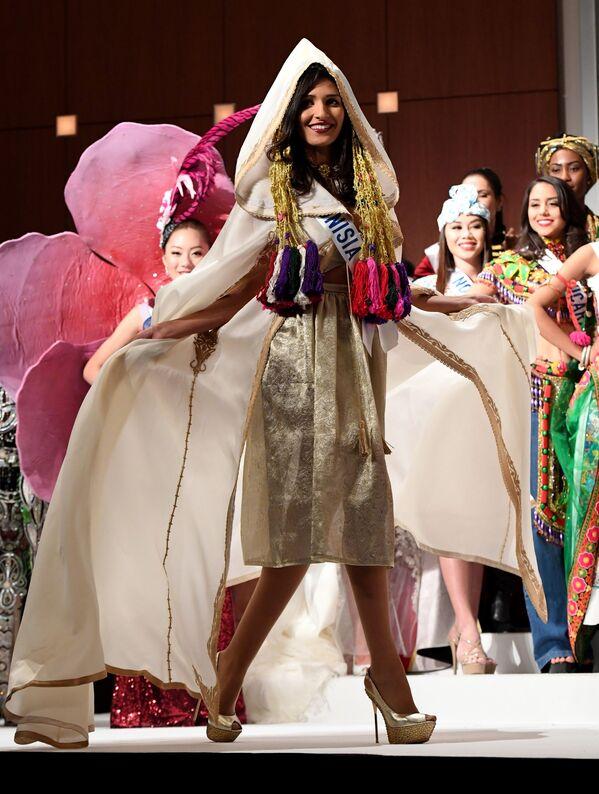 Miss Tunezji Hiba Telmoudi podczas konkursu Miss International Beauty Pageant 2016 w Tokio - Sputnik Polska