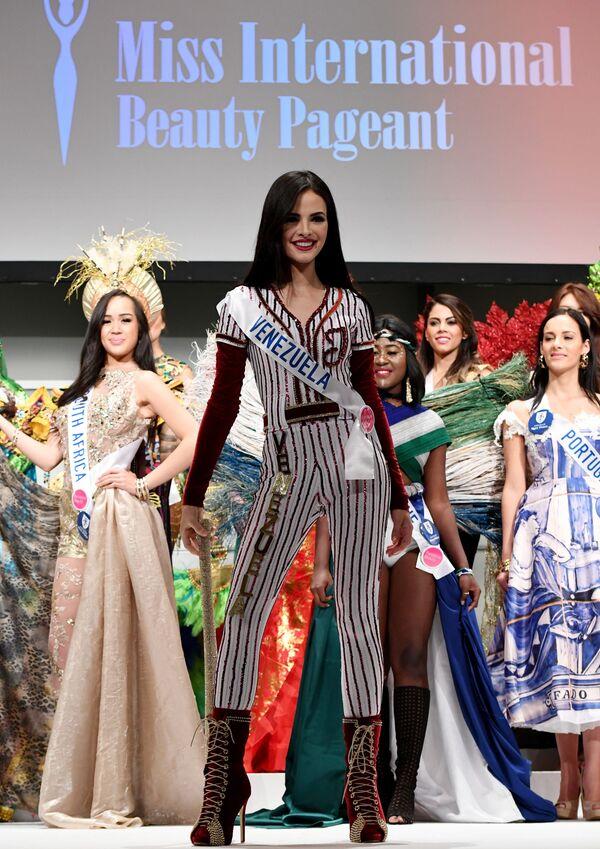 Miss Wenezueli podczas konkursu Miss International Beauty Pageant 2016 w Tokio - Sputnik Polska