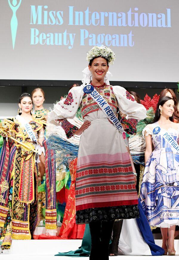 Miss Słowacji podczas konkursu Miss International Beauty Pageant 2016 w Tokio - Sputnik Polska