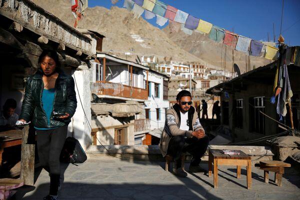 Pracownik biura podróży w mieście Leh, Himalaje - Sputnik Polska