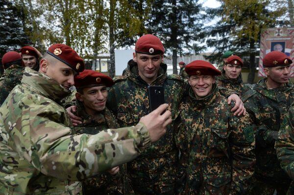 Ci, którzy doszli do mety oficjalnie zaliczani są do elity specnazu. Tym razem z 60 żołnierzy czerwone berety dostało tylko 20. - Sputnik Polska
