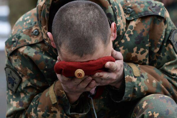 Beret to przedmiot wyjątkowej dumy członka specnazu. On nie daje dodatkowych ulg ani dodatku do pensji, ale co roku setki żołnierzy oddziałów specjalnych i wywiadowczych próbuje zdobyć prawo do jego noszenia. - Sputnik Polska