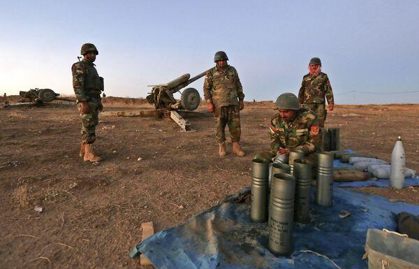 Przed rozpoczęciem operacji iracka armia zrzuciła na miasto ulotki zalecające mieszkańcom opuścić rejony, w których skupione są siły bojowników. - Sputnik Polska