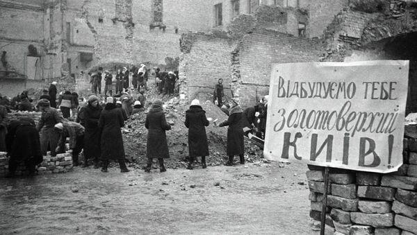 Zniszczony w czasie II wś Kijów. Zdjęcie archiwalne - Sputnik Polska