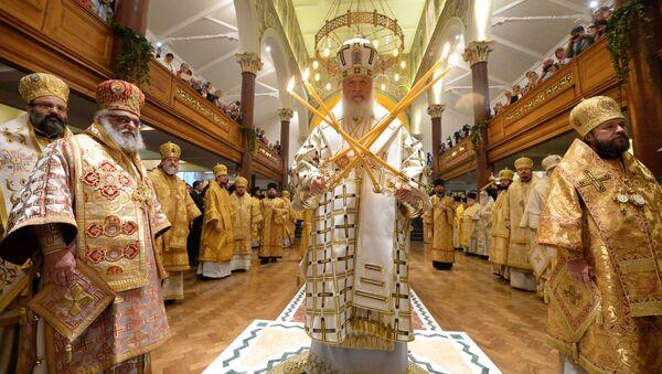 Patriarcha Moskwy i Całej Rusi Cyryl podczas mszy w największej świątyni rosyjskiej w Londynie - Sputnik Polska