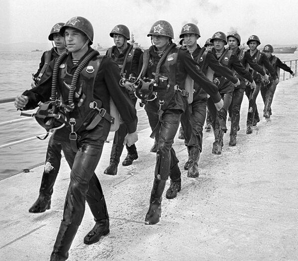 Z biegiem czasu struktura i liczba członków sił specjalnych wielokrotnie się zmieniały, ale istota ich misji zawsze pozostała ta sama. - Sputnik Polska