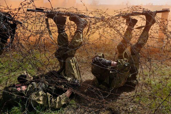 W sumie wojskowe siły specjalne wysłały swoje armie do dwudziestu krajów w Azji, Ameryce Łacińskiej i Afryce. - Sputnik Polska
