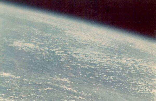Pierwszym kosmonautą, który sfotografował Ziemię, był German Titow. To zdjęcie zostało zrobione 55 lat temu - w 1961 roku. - Sputnik Polska