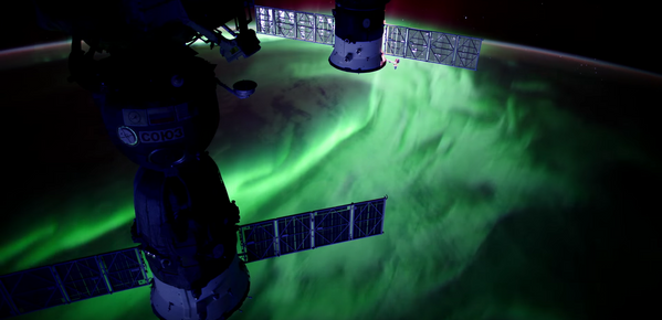 Zorza polarna na Ziemi utrwalona z Międzynarodowej Stacji Kosmicznej. - Sputnik Polska
