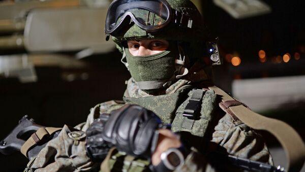 Żołnierz podczas festiwalu Armia Rosji w Moskwie - Sputnik Polska