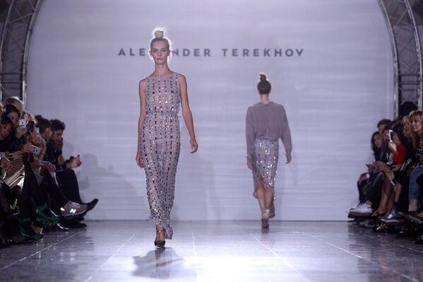Od 2006 roku projektant regularnie uczestniczy w Tygodniu mody w Nowym Jorku. - Sputnik Polska