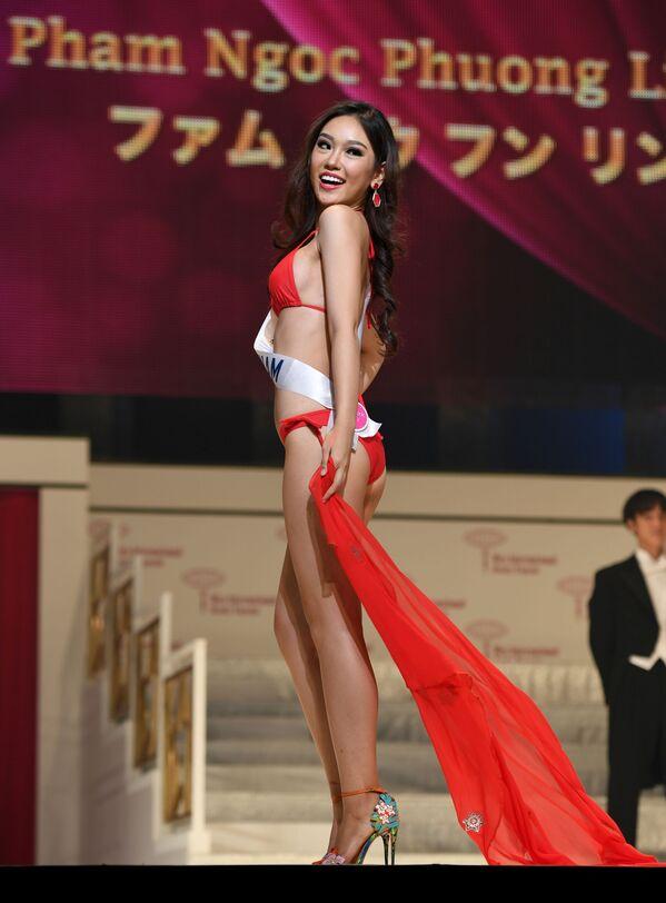 Miss Wietnam Pham Ngoc Phuong Linh podczas prób finału konkursu piękności Miss International Beauty Pageant  w Tokio - Sputnik Polska