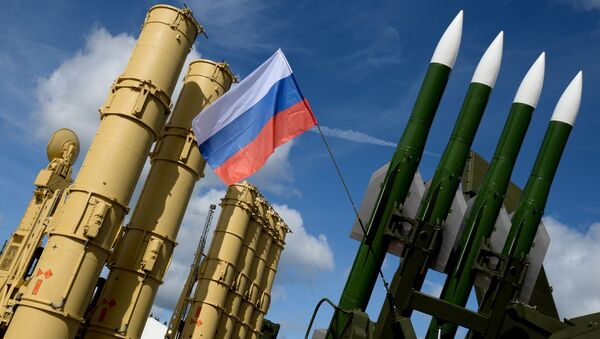 Wyrzutnia rakietowa Antej-2500 i wyrzutnia rakietowa Buk-M2E - Sputnik Polska