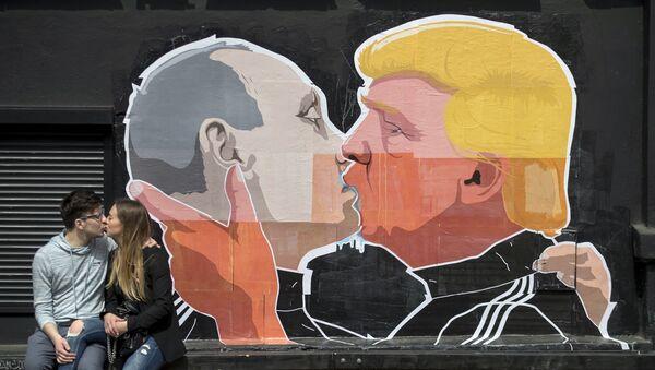 Sikorski: Putin fantazjuje o nowej Jałcie - Sputnik Polska