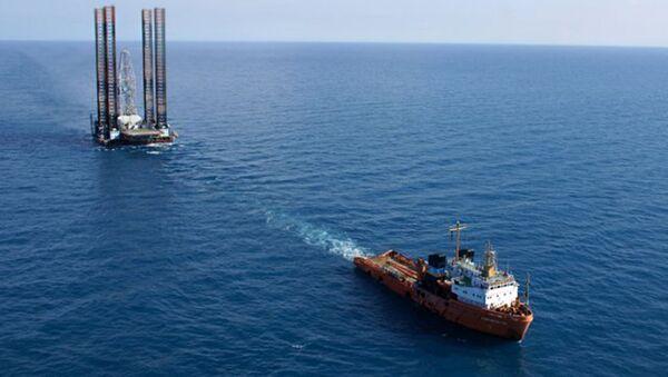 Transportowanie wiertni Tawrida na Morzu Czarnym - Sputnik Polska