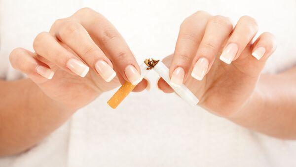 Palenie zabija nosicieli wirusa HIV szybciej niż sam wirus - Sputnik Polska