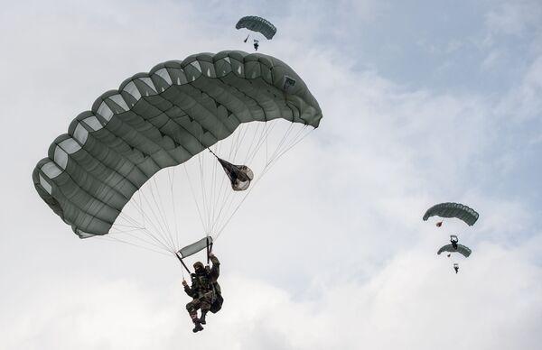 Białoruś reprezentuje pokojowa kompania z Witebskiej Jednostki Sił Operacji Specjalnych. - Sputnik Polska