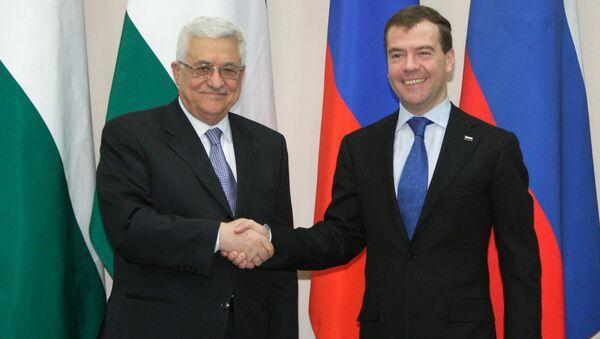 Premier Rosji Dmitrij Miedwiediew i prezydent Palestyny Mahmoud Abbas - Sputnik Polska