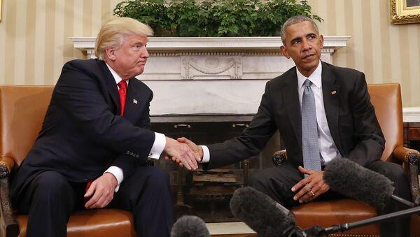 Uchodzącemu prezydentowi USA Barackowi Obamie i prezydentowi elektowi Donaldowi Trumpowi nie udało się znaleźć wspólnego języka podczas pierwszego spotkania - Sputnik Polska