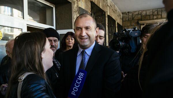 Generał Rumen Radev, kandydat na prezydenta Bułgarskiej Partii Socjalistycznej - Sputnik Polska