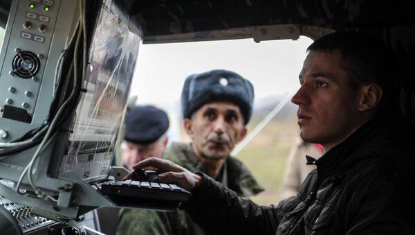 """Nowy kompleks radiozagłuszania """"Leer-2"""" na bazie samochodu """"Tiger"""" podczas demonstracji na poligonie """"Babino"""" w obwodzie tulskim - Sputnik Polska"""