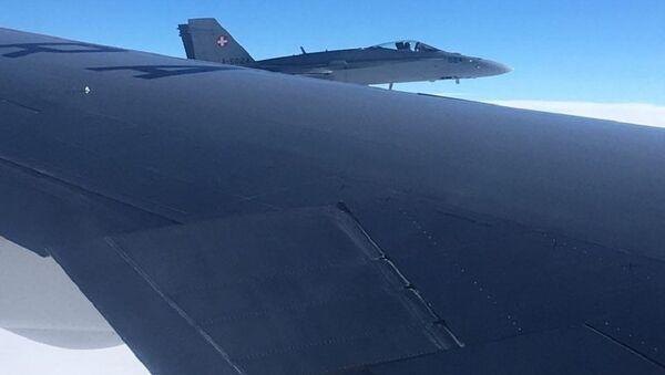 - Dwa myśliwce wielozadaniowe FA/18 przeprowadziły rutynową kontrolę - wyjaśnił rzecznik szwajcarskich sił zbrojnych Daniel Reist - Sputnik Polska